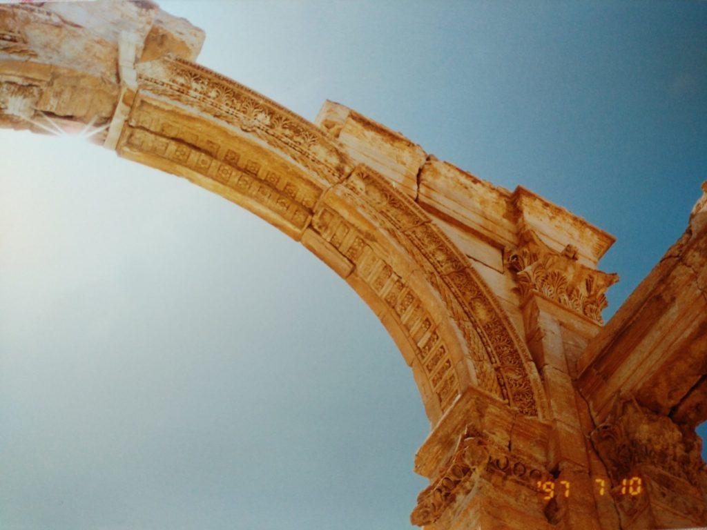 パルミラ 柱の彫刻