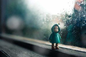 雨降りの窓際