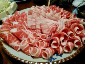 圧巻の各種豚肉盛り合わせ