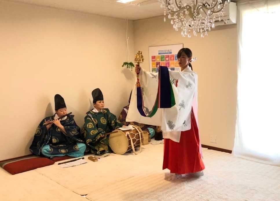 チャリティー音楽祭 雅楽 浦安の舞