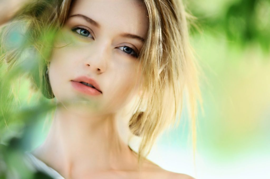 魅力的な女性