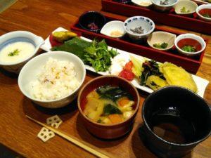 ランチセット とろろご飯と惣菜