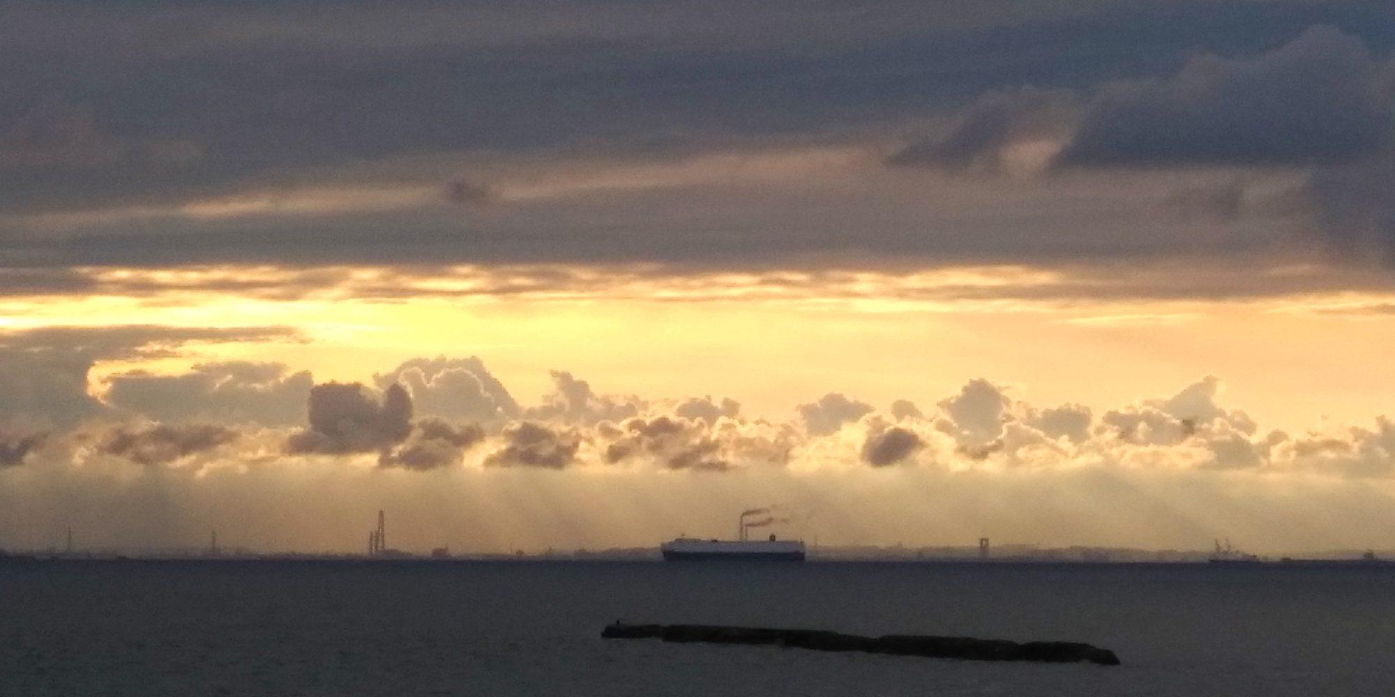 雲の平安絵巻行列