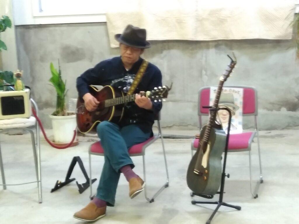すずきのやすひとさん ギター